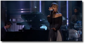 Ariana singing jazzy Jason's Song (Gave It Away) on the Tonight Show Sept 20, 2016