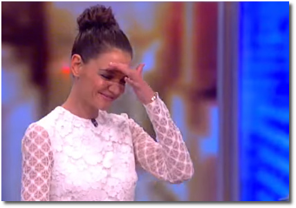 Katie Holmes making her entrance onto the View March 29, 2017