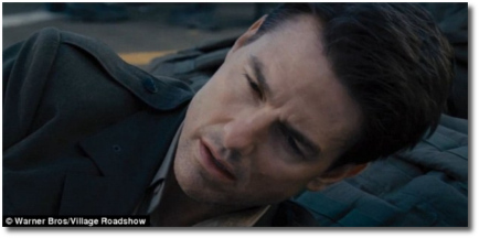 Tom Cruise wakes (again) in Edge of Tomorrow | Live-Die-Repeat.